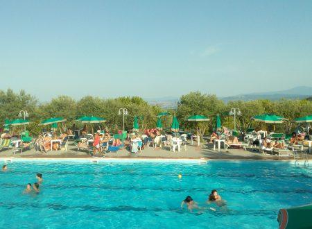 Andiamo in piscina e le soline camping(mio paese)